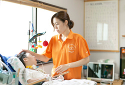 子ども専門の訪問看護・ヘルパー
